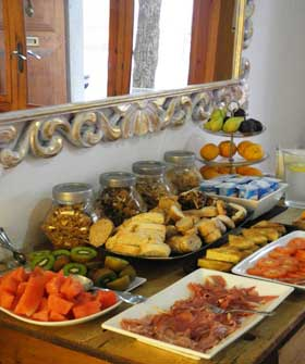 Casa Bougainvillea Bed and Breakfast Soller