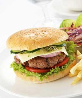 Burger at Circulo Sollerense Cafe Soller